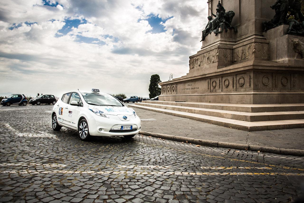 Nissan Juke 2014: aumenta di praticità - image 000068-000000327 on http://auto.motori.net