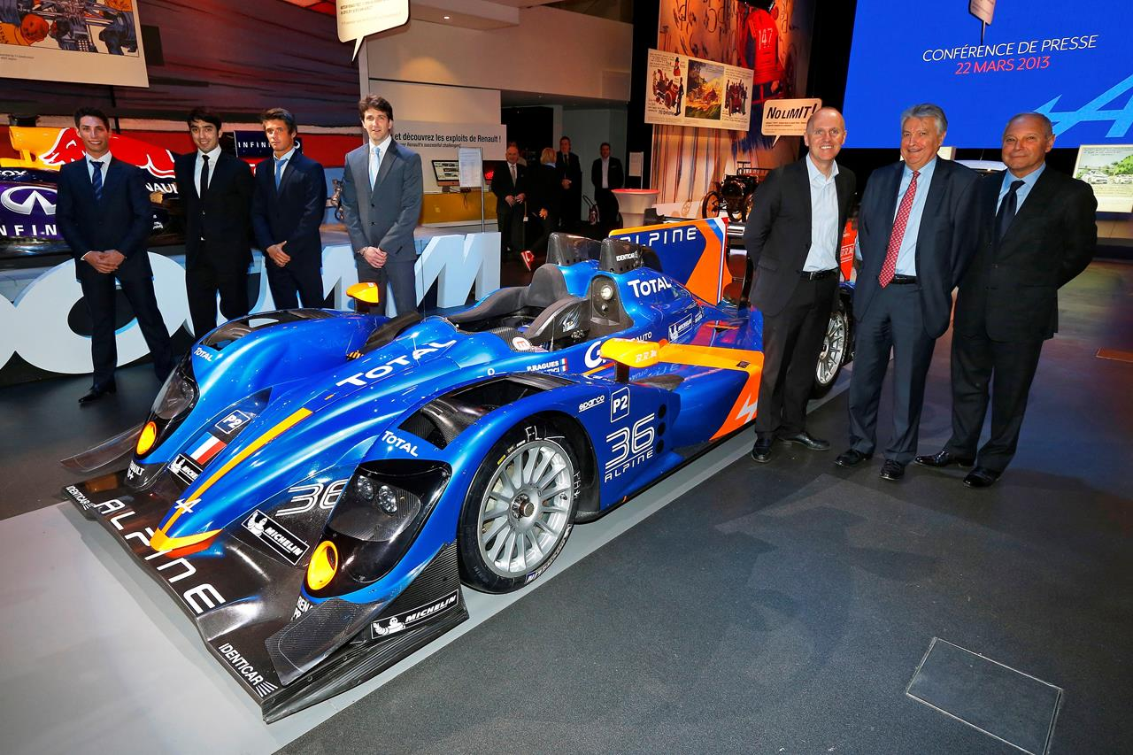 Renault Espace al Salone di Parigi 2014 - image 002262-000021454 on http://auto.motori.net