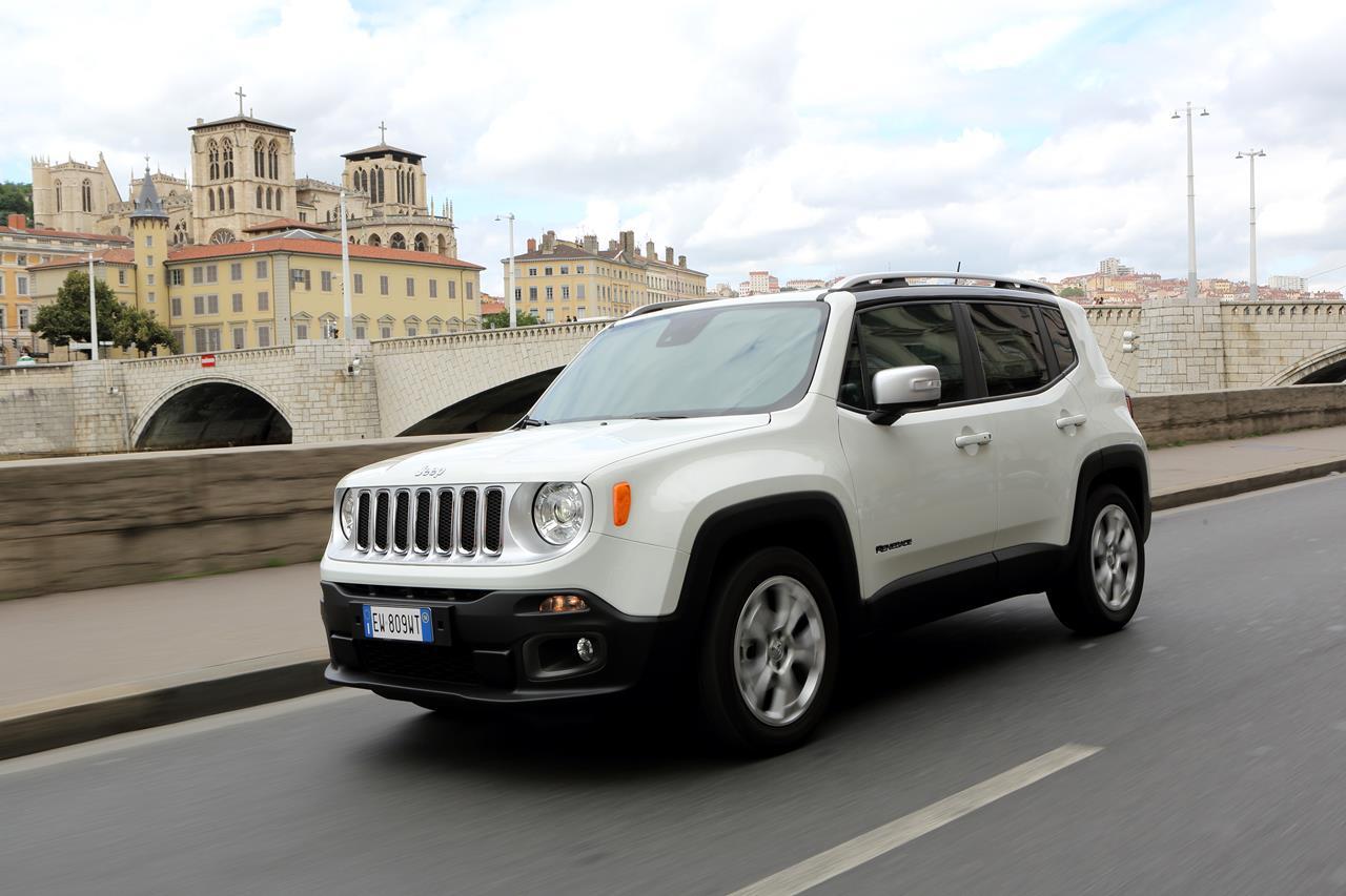 Buon Anno Italia. Da Fiat 500X gli auguri per l'anno che verrà - image 003300-000031822 on http://auto.motori.net