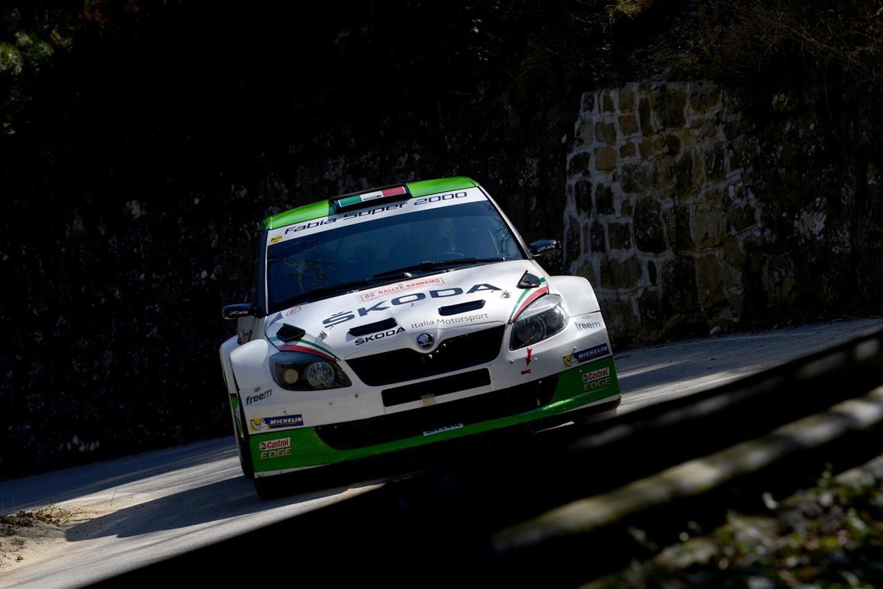 """Due """"Classici del futuro"""": Alfa Romeo 4C e Abarth 595 - image 005772-000046308 on http://auto.motori.net"""