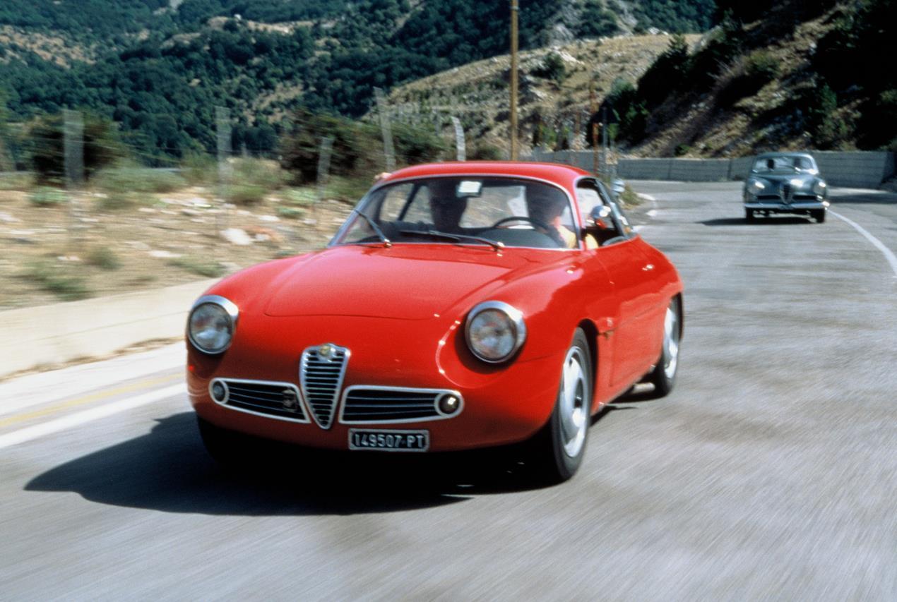 """Due """"Classici del futuro"""": Alfa Romeo 4C e Abarth 595 - image 005780-000046345 on http://auto.motori.net"""