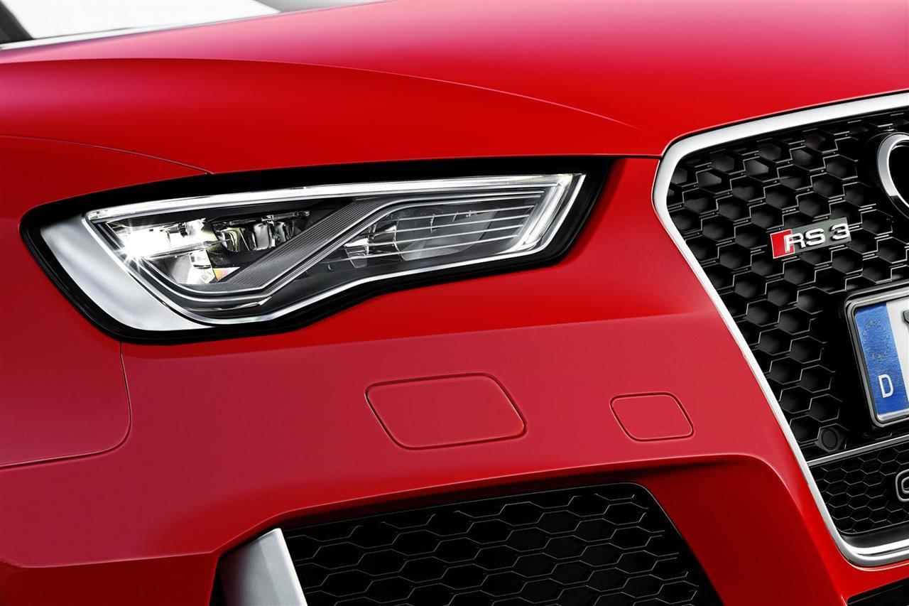 """Due """"Classici del futuro"""": Alfa Romeo 4C e Abarth 595 - image 005786-000046380 on http://auto.motori.net"""