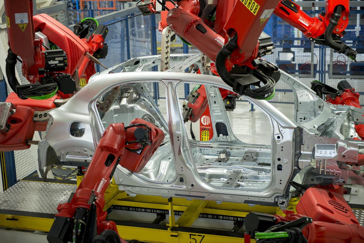 Anteprima mondiale del nuovo T6 - image 005816-000046582 on http://auto.motori.net