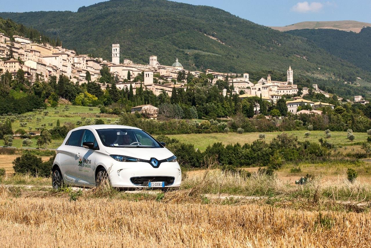 Renault presenta la sua ultima novità elettrica - image 007085-000058545 on http://auto.motori.net