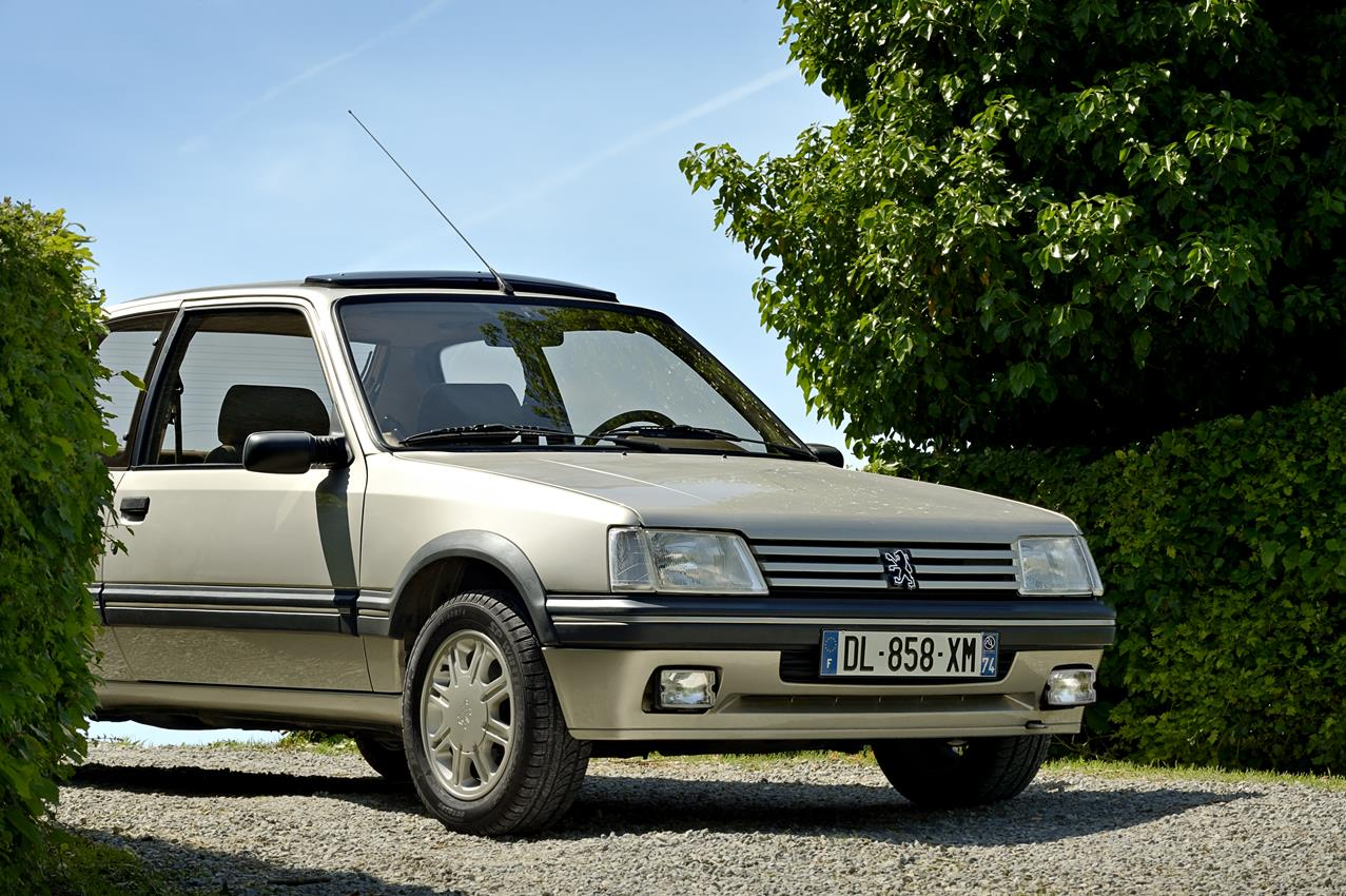 Gentry, la 205 GTI in smoking - image 009126-000078940 on http://auto.motori.net