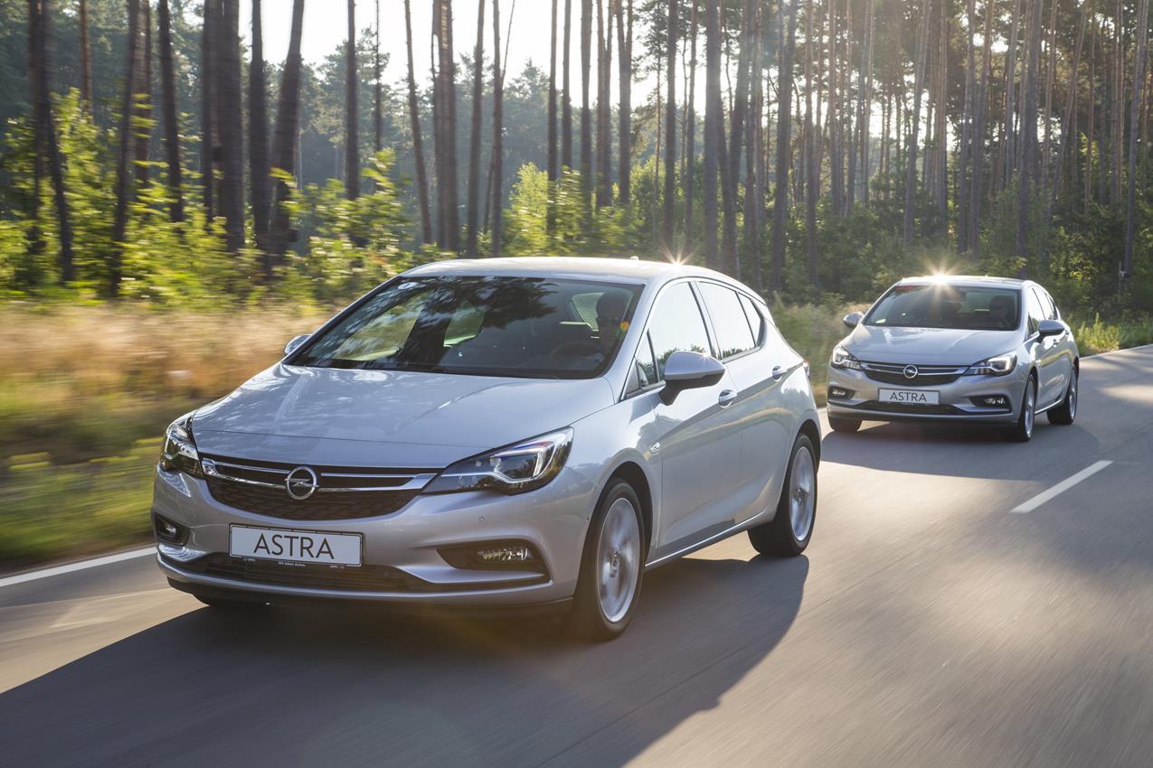 Opel Astra: sistemi di assistenza alla guida, sicurezza e comfort - image 011193-000099218 on http://auto.motori.net