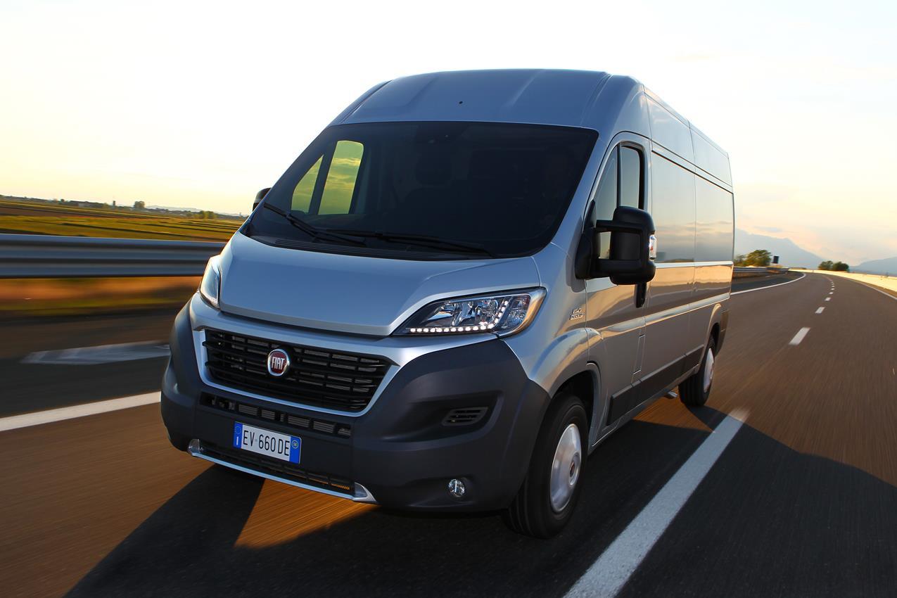Fiat, Lapo Elkann e Garage Italia Customs contro l'AIDS - image 012222-000109454 on http://auto.motori.net