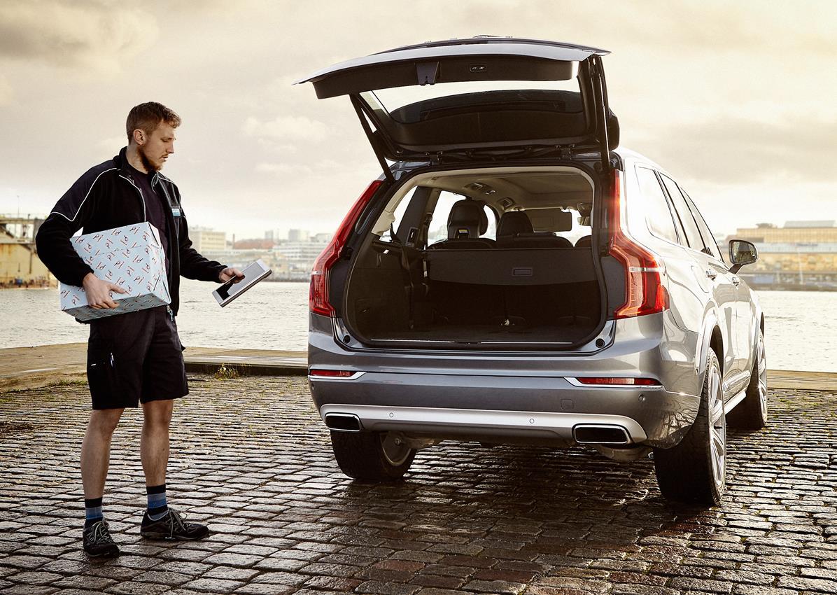 Volvo: gli acquisti di Natale arrivano direttamente nell'auto - image 014430-000131164 on http://auto.motori.net