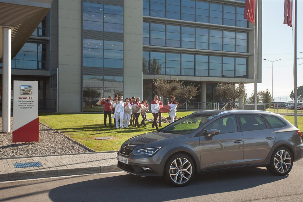 Anteprima mondiale della Tiguan GTE Active Concept - image 015495-000141504 on http://auto.motori.net