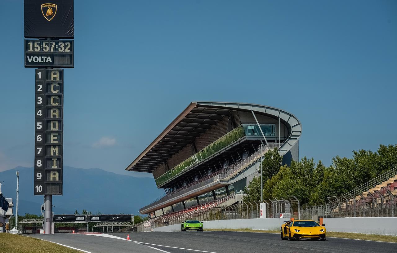 Anteprima mondiale della Tiguan GTE Active Concept - image 015509-000141548 on http://auto.motori.net