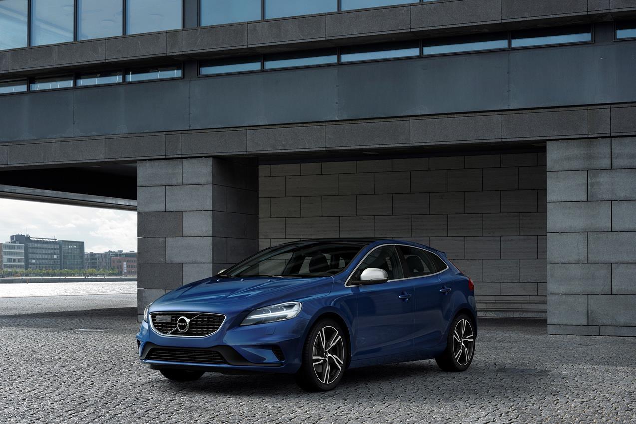 Debutto europeo a Ginevra per Volvo XC90 Excellence - image 018609-000172333 on http://auto.motori.net