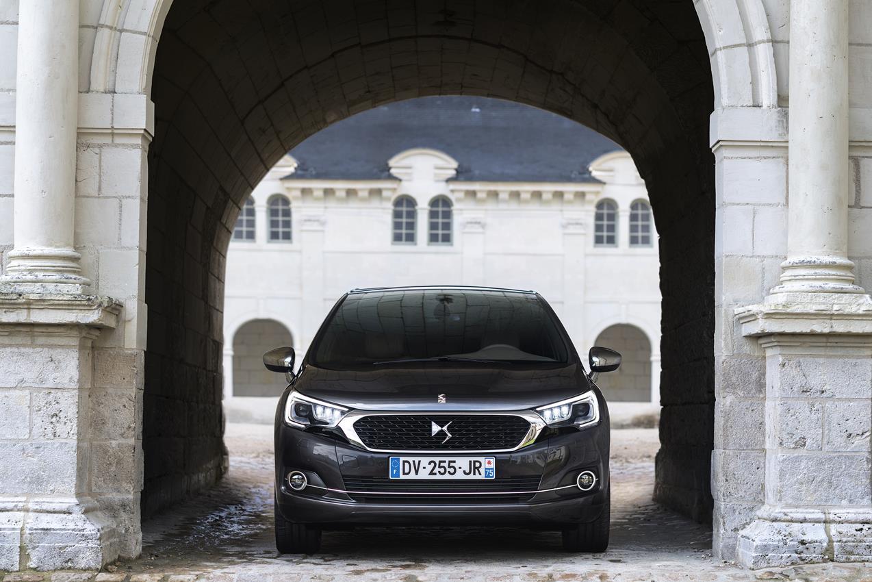 Disponibile la nuova Volvo S60 e V60 Polestar con motore da 367 CV - image 020658-000192615 on http://auto.motori.net