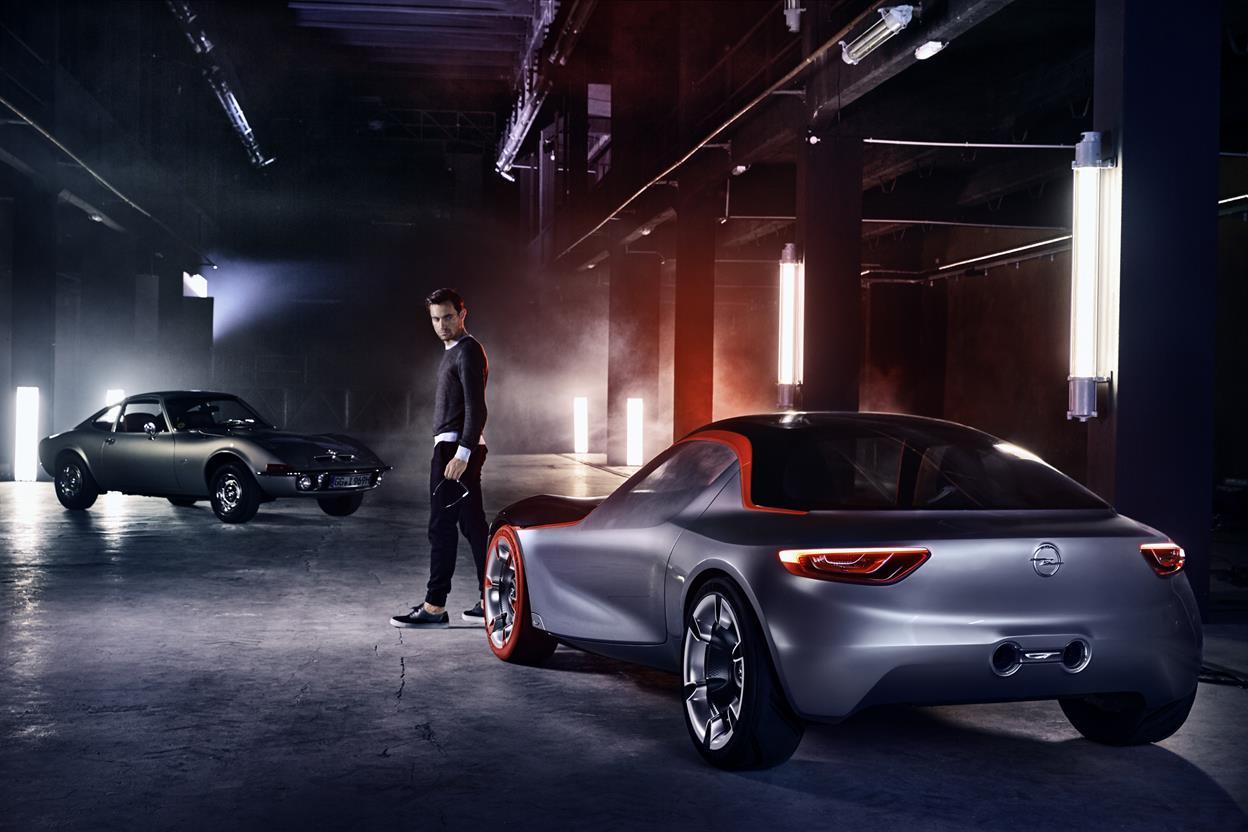 Nuovi pneumatici per Porsche storiche: tecnologia moderna in look d'epoca - image 021734-000203130 on http://auto.motori.net