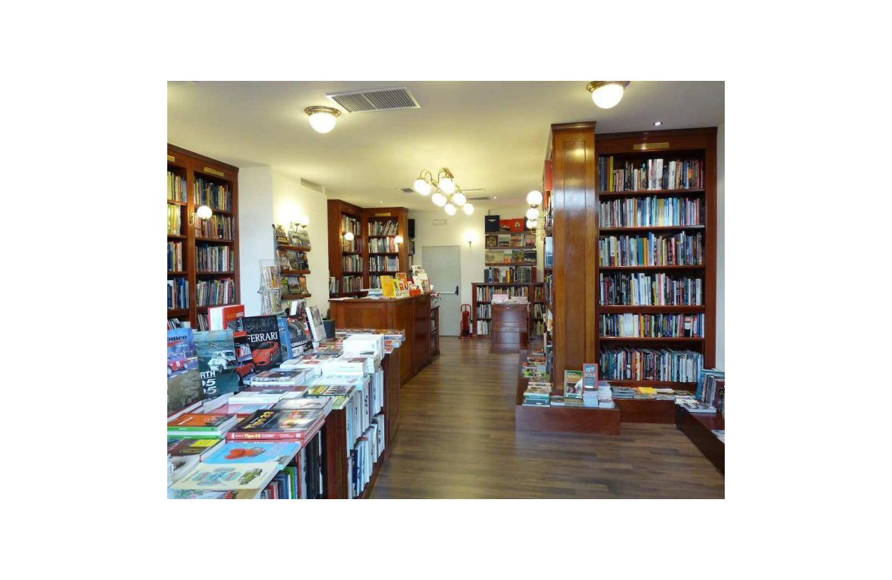 Tutti i libri sui motori alla Libreria dell'Automobile - image 021778-000203407 on http://auto.motori.net