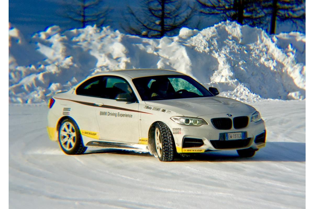 A scuola da Siegfried Stohr per essere più sicuri sulla neve - image 022231-000206128 on http://auto.motori.net