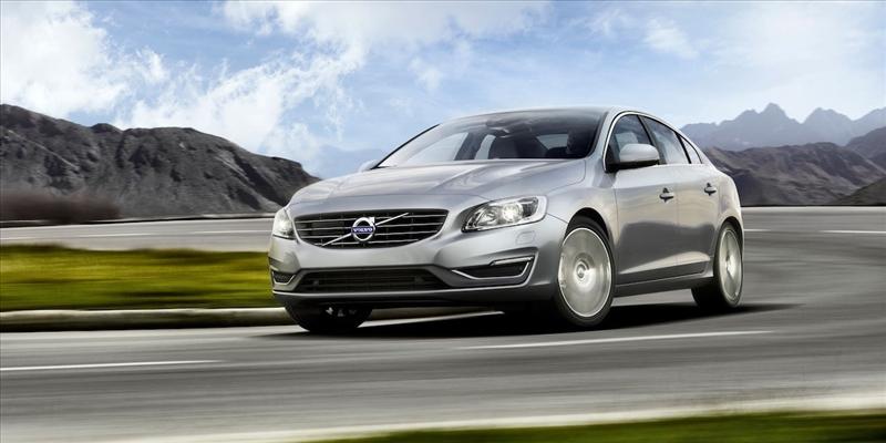 Listino prezzi Volvo V40 2017 - image 31075_1_big on http://auto.motori.net