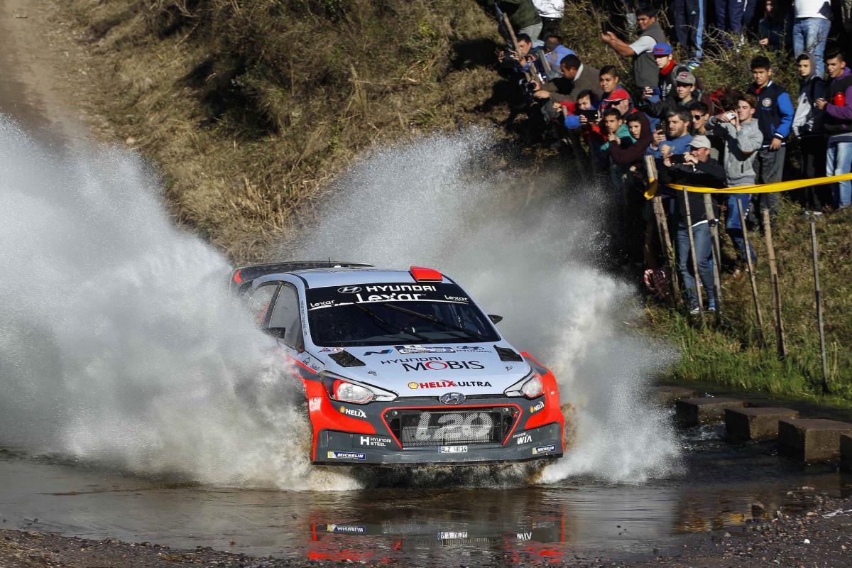 Mondiale Rally 2017: quarto successo e record di vittorie per Hyundai - image hyundai_wins_wrc_rally_argentina_02 on http://auto.motori.net