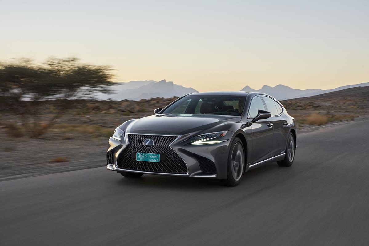 Toyota Safety Sense, nel 2018 la seconda generazione - image 128-lexus-ls500h-manganese-dynamic on http://auto.motori.net