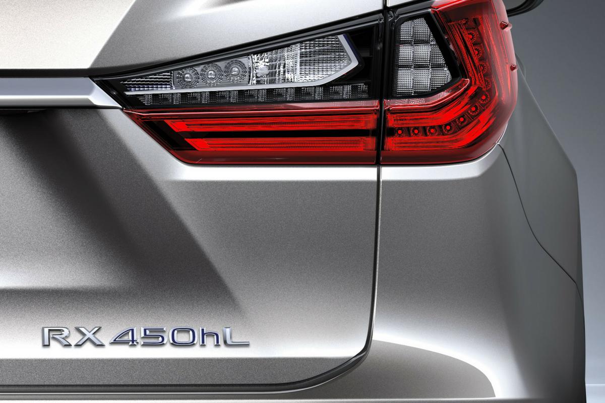 Debutta al Motor Show di Los Angeles la nuova Lexus RX L