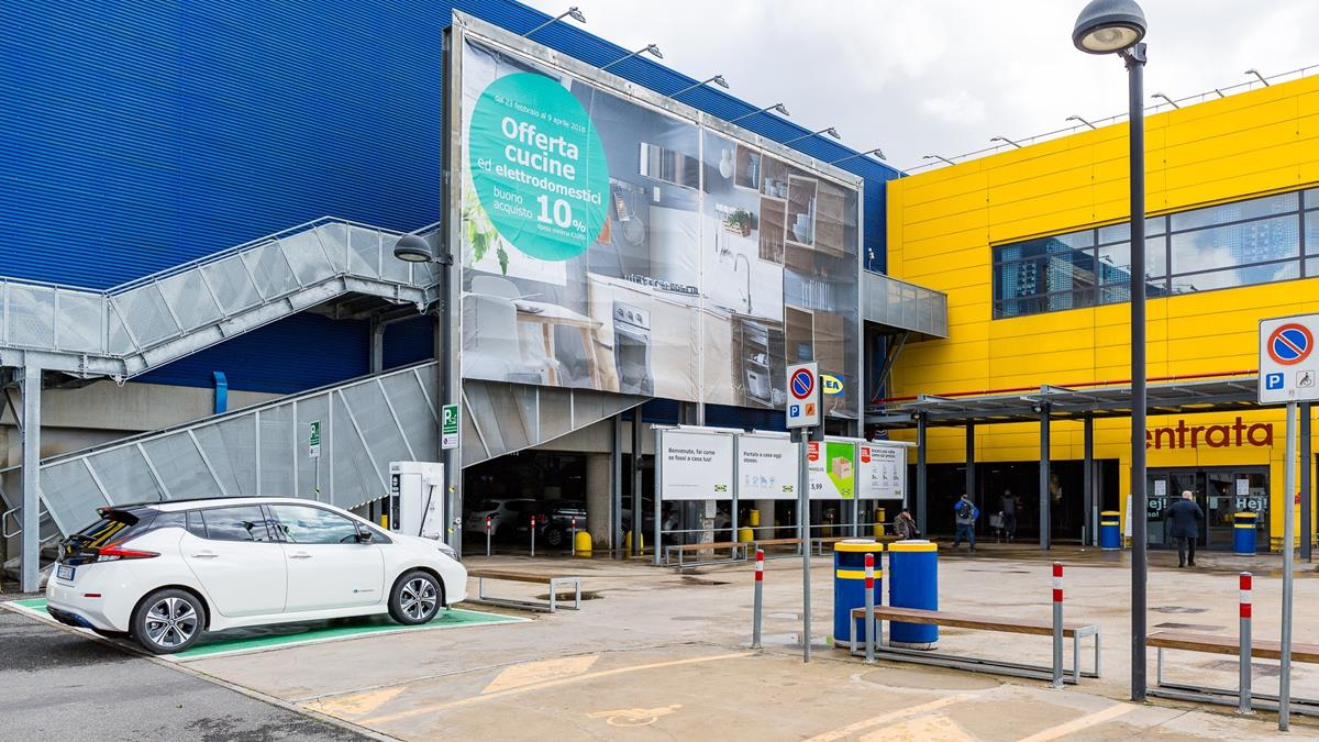 Ad Ikea Anagnina Di Roma La Ricarica è Gratis Attualità Ecologiche