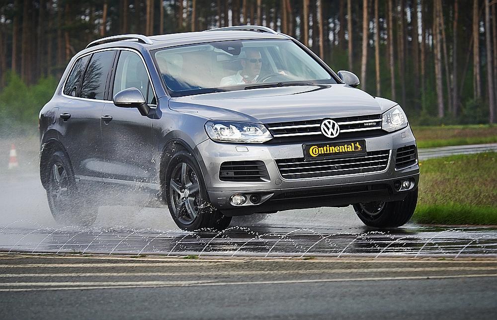 I pneumatici Continental vincono il test allrad di AutoBild - image Conti-1404-7417-9843red on http://auto.motori.net