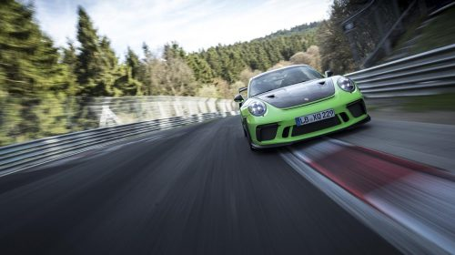"""La nuova 911 GT3 RS sfida l'""""Inferno verde"""" stabilendo un tempo di 6:56.4 minuti - image P18_0414_a4_rgb-500x280 on http://auto.motori.net"""