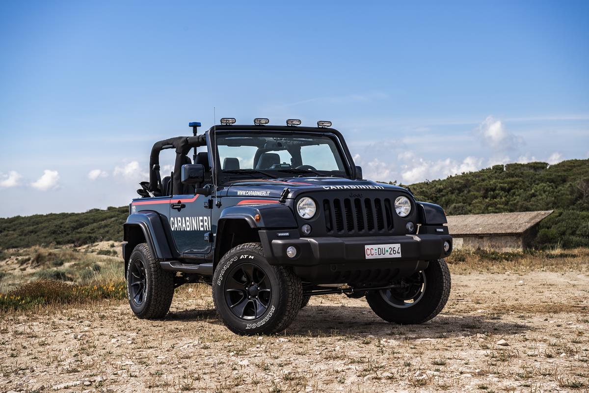 In omaggio a Batman - image 2_Jeep-Wrangler-Carabinieri on http://auto.motori.net