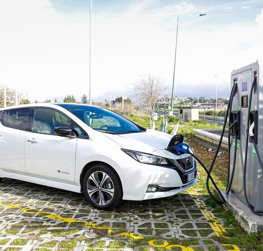 First Stop, la crescita continua - image Nissan_LEAF-EVA_04-source-840x800 on http://auto.motori.net