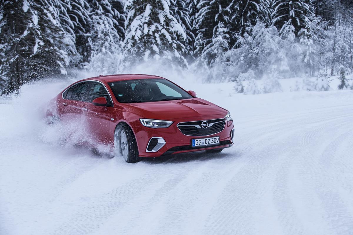 Presentata la Chicago Auto Show, come il modello originale - image Opel-Insignia-GSi-505933 on http://auto.motori.net