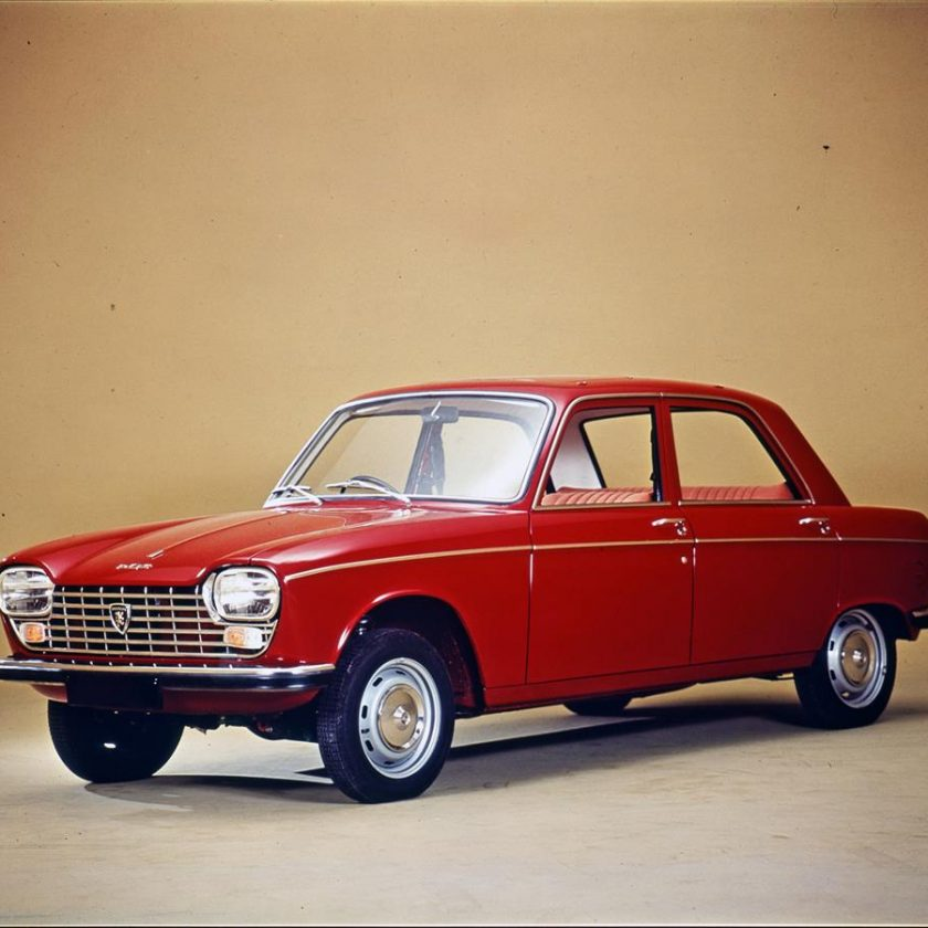 VW Golf compie 45 anni - image Peugeot-204-berlina-840x840 on http://auto.motori.net