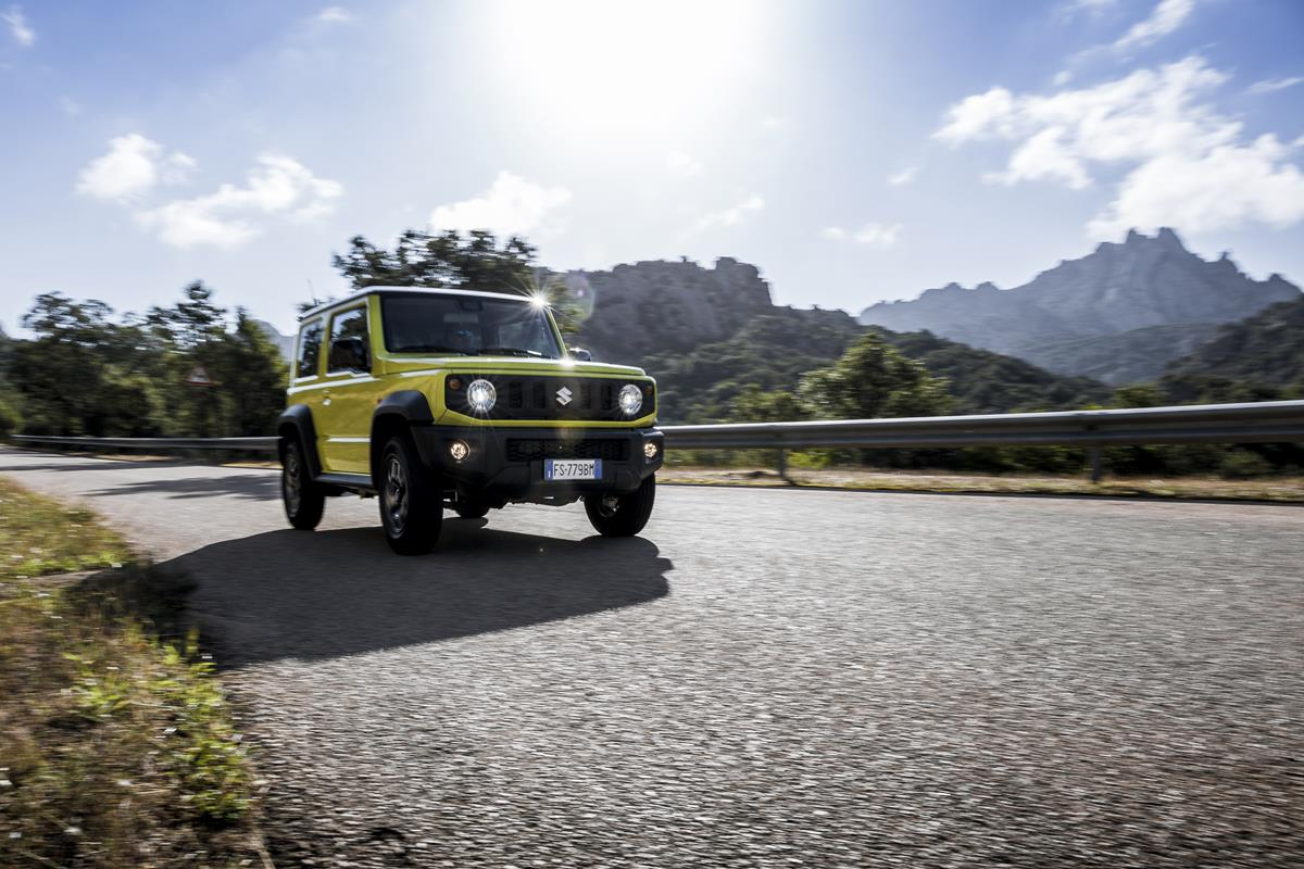 Suzuki Jimny vince il World Urban Car 2019 - image 37-jimny-vince-il-world-urban-car-6- on http://auto.motori.net