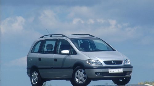 Opel Zafira compie 20 anni - image Zafira-A-2--500x280 on http://auto.motori.net