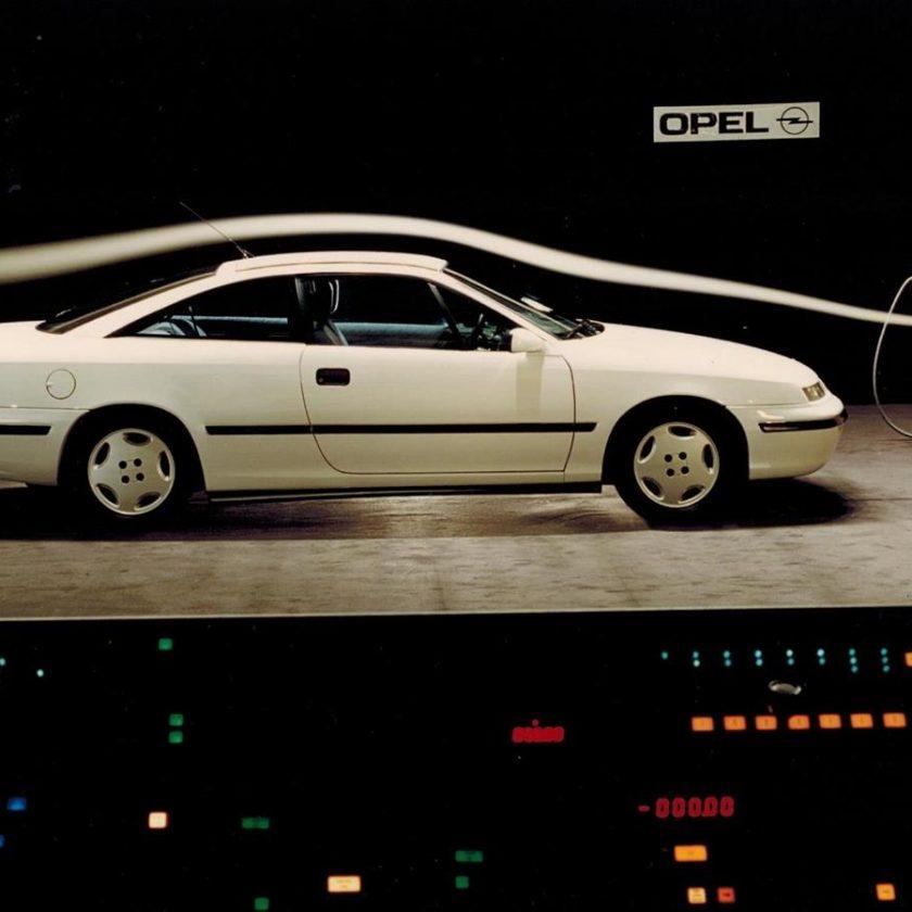 30 anni fa la prima integrale di Opel - image Calibra-galleria-del-vento-840x840 on http://auto.motori.net