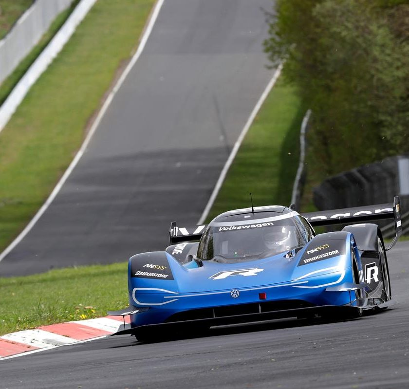 Quiz Patente B: gli incroci! - image NURBURGRING-840x799 on http://auto.motori.net