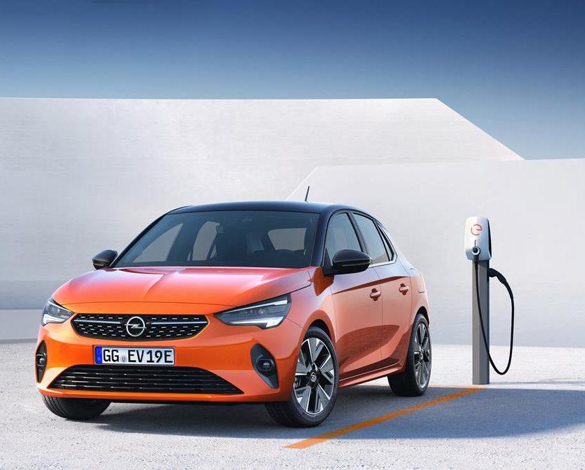 Opel Zafira compie 20 anni - image Opel-Corsa-e-Charging-840x675 on http://auto.motori.net