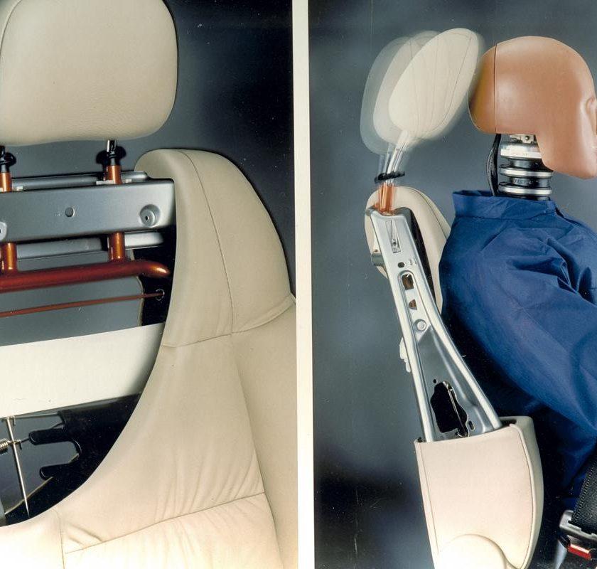 Volkswagen e Siemens rendono più sicuri gli incroci stradali - image Poggiatesta-1-840x800 on http://auto.motori.net
