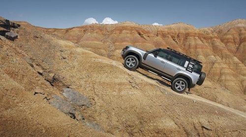 Nuova Land Rover Defender:  un'icona reinventata per il XXI Secolo - image image-1_LR_DEF_110_20MY_Off-Road-500x280 on http://auto.motori.net