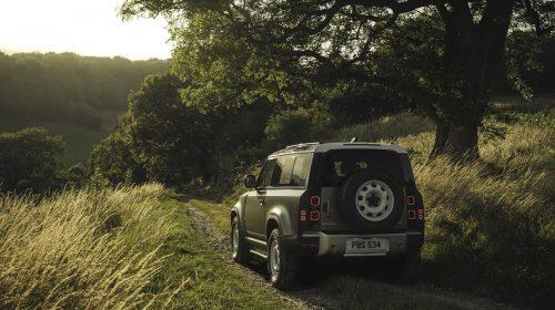 Nuova Land Rover Defender:  un'icona reinventata per il XXI Secolo - image image1_LR_DEF_90_20MY_Off-Road-500x280 on http://auto.motori.net