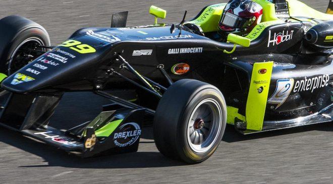 Tricolore TopJet F2000 per Andrea Cola - image IMG_3332-660x365 on http://auto.motori.net