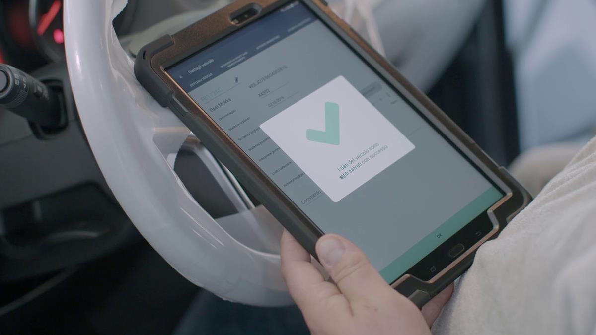 Il cliente è sempre informato - image Opel-myDigitalService-509280 on http://auto.motori.net