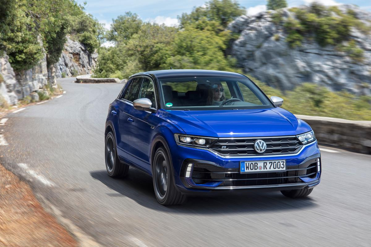 Compatta Premium, secondo BMW - image T-Roc-R_DB2019AU01156 on http://auto.motori.net