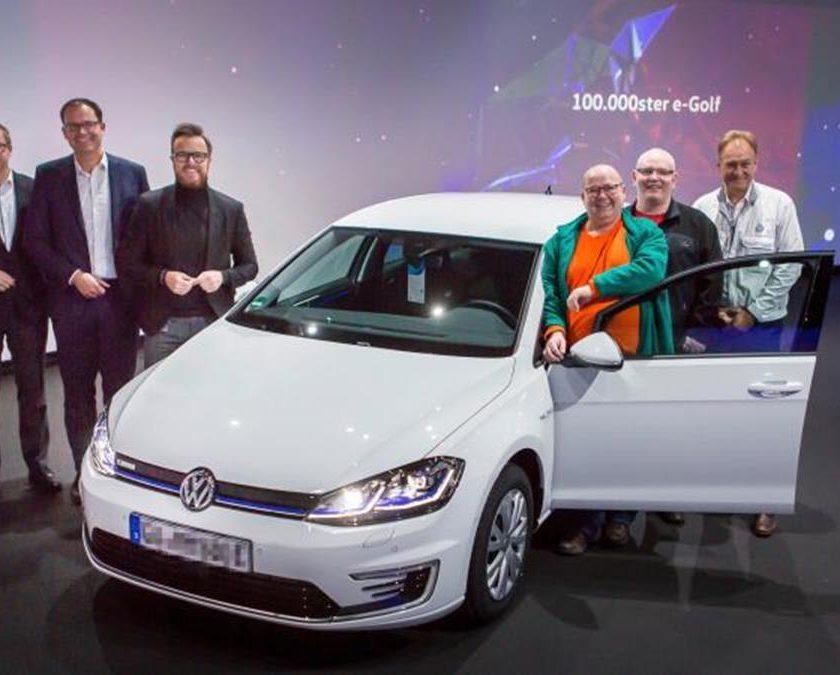 BMW 3.0 CSL Hommage: una sportiva di classe - image Consegnata-la-Volkswagen-eGolf-numero-100000-840x675 on http://auto.motori.net