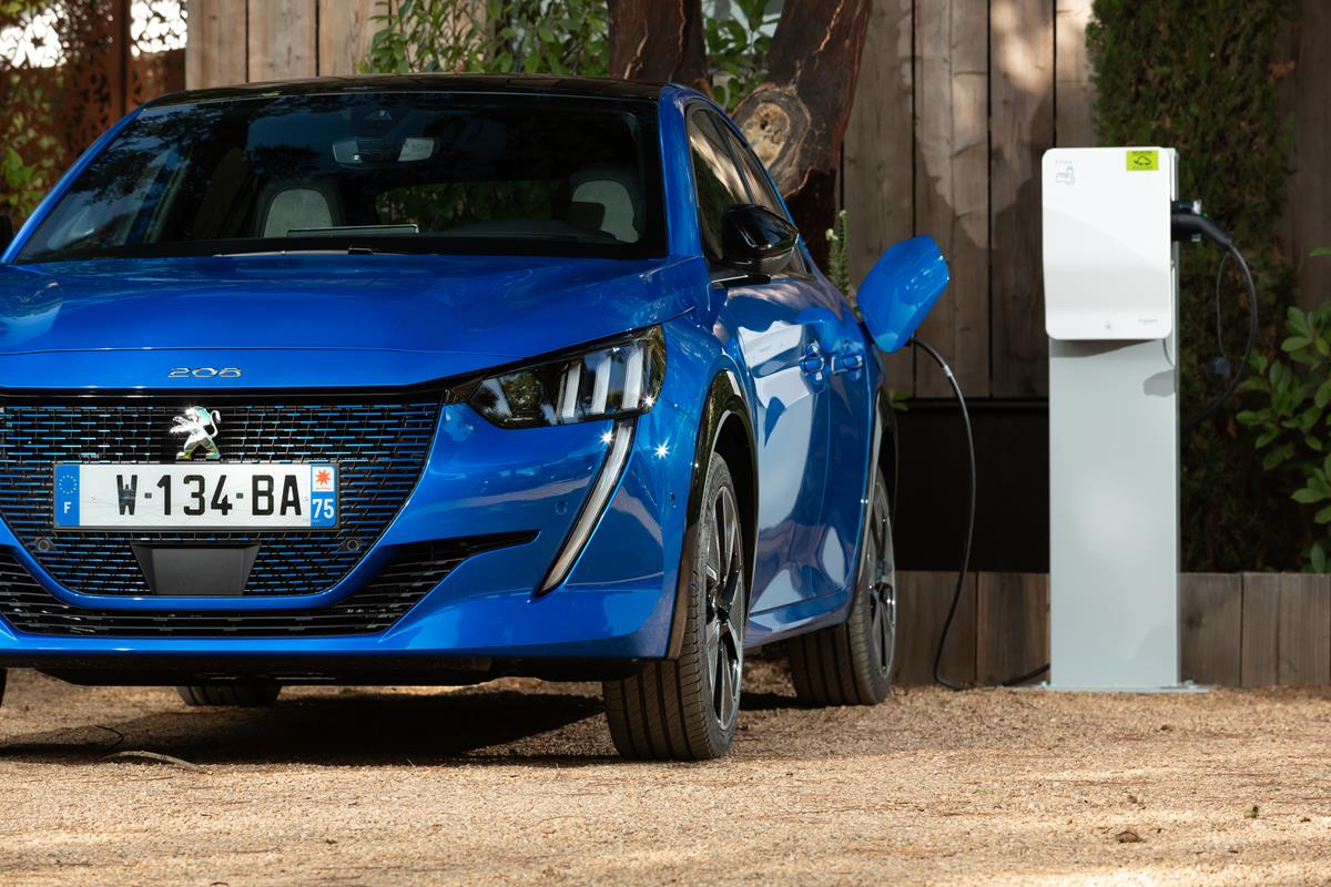 I cinque zeri della nuova Peugeot e-208 100% elettrica - image PEUGEOT-e-208-4 on http://auto.motori.net