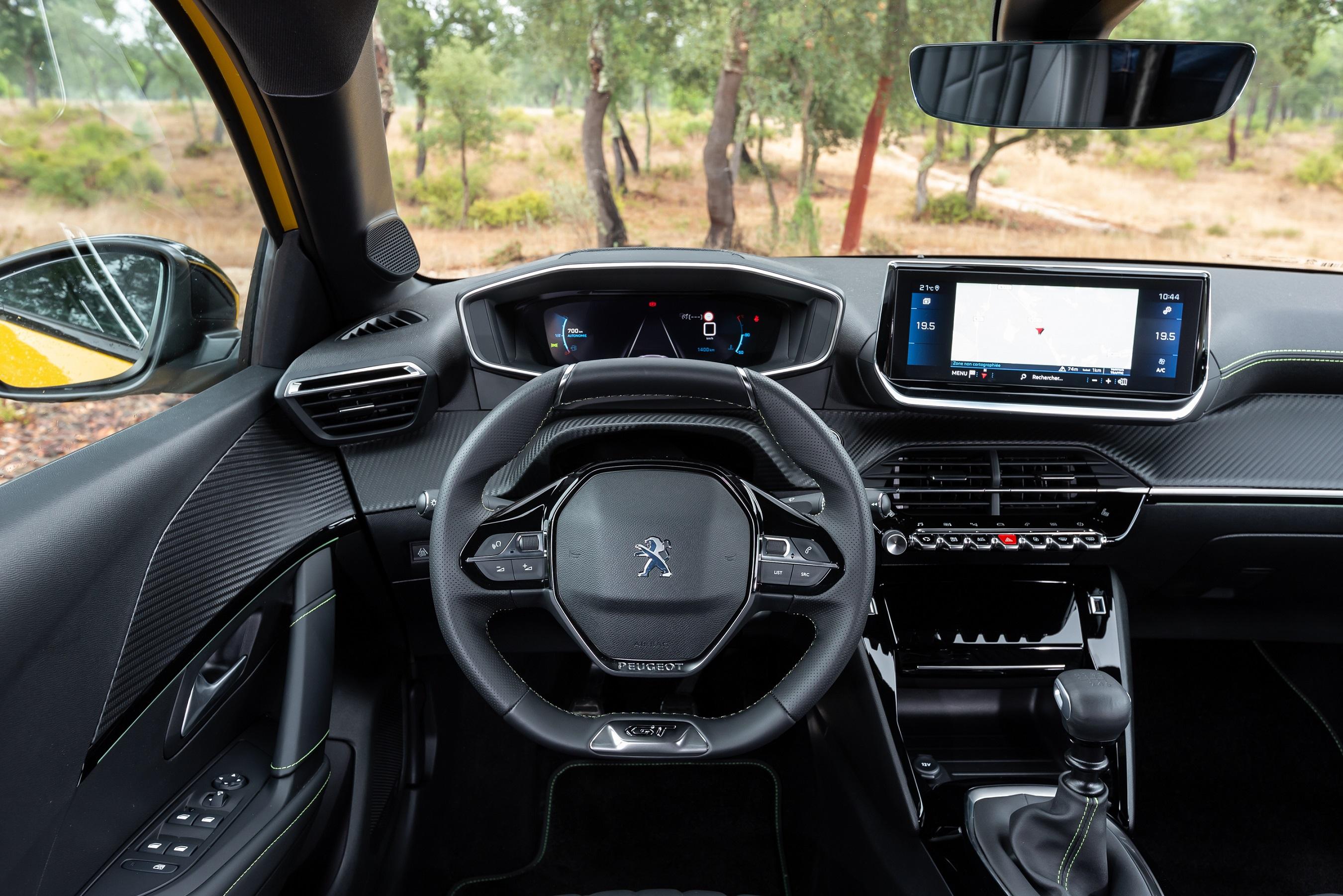 Un Peugeot i-Cockpit di nuova generazione - image PEUGEOT-i-COCKPIT-3D- on http://auto.motori.net