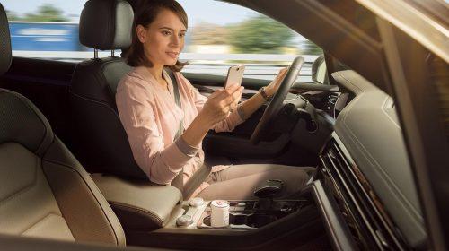 Telecamere che salvano la vita - image bosch-driver-monitoring-distractions1-500x280 on http://auto.motori.net
