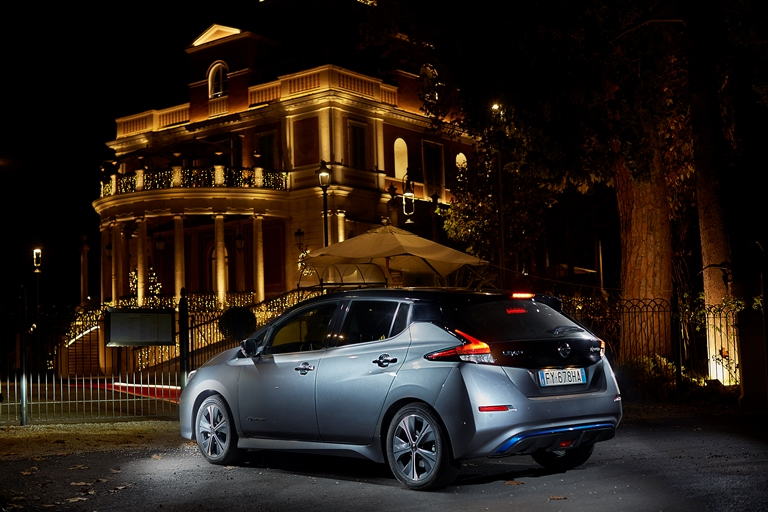 Vernice ChipEx, per ritocchi in 30 secondi - image nissan-leaf-e-1 on http://auto.motori.net