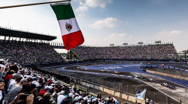 Un giaguaro a Città del Messico