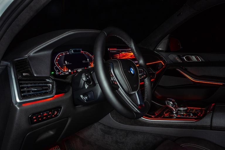 Il volto sportivo della station wagon - image BMW-X-Timeless on http://auto.motori.net