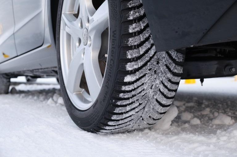 Un automobilista su tre non sa quando è il momento di cambiare i pneumatici - image Continental_WinterContact_TS_870 on http://auto.motori.net