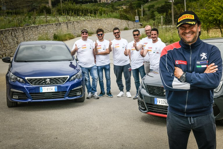 La nuova up!: Compatta, Potente e Colorata - image MOTORSPORT-ACADEMY-PEUGEOT on http://auto.motori.net